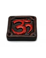 Bruciaincenso in terracotta quadrato con Ohm rosso